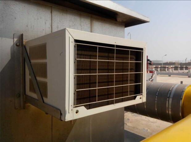 从室外换热器来的低温低压过热气经四通阀和消声器进入气液分离器图片
